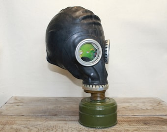Vintage Soviet Army Gas Mask ... Military ... Gothik ... USSR ... Russian ... punk