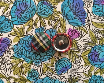 Plaid Button Earrings / Red Fabric Covered / Wholesale Jewelry / Stud Earrings / Unique Gift Ideas / Hypoallergenic Posts