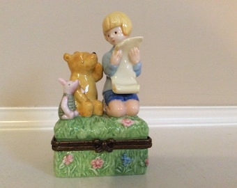 Cute! Winnie The Pooh, Piglet and Robin on Top of a Hinged Trinket Box, Disney.