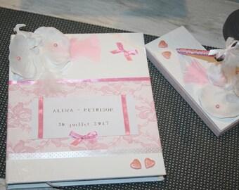 livre d'or mariage, blanc et rose poudré, plumes orchidée dentelle, personnalisable