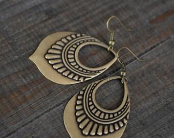Bohemian earrings - Vintage inspired jewelry - Boho chic - Gypsy - Antique brass