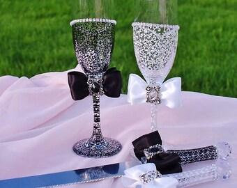 Wedding glasses, Wedding Cake Serving Set and Wedding Champagne Toasting Flutes, Bride and Groom, Bridal Shower, Personalized wedding gift
