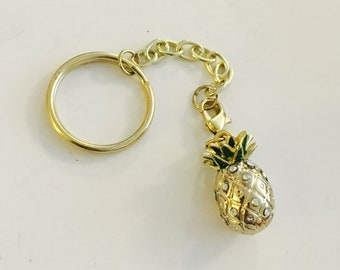 Tropical golden pineapple keychain