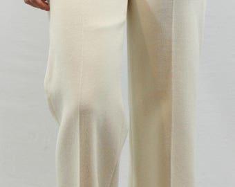 Cream 100% Fully lined Wool Trousers by Anne Klein. Fall slacks, Winter slacks, light colored slacks, versatile slacks, classic slacks.
