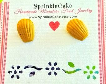 Madeleine Cookie Stud Earrings - Miniature Food Jewelry - Inedible Jewelry - Cookie Earrings - Kid's Jewelry - Kawaii Jewelry - Dessert Food