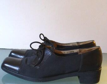 Salvatore Ferragamo Made in Italy Oxford Flats Size 9