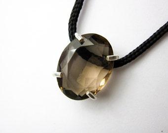 Brown Smoky quartz necklace / Brown Smoky quartz Pendant / healing crystals and stones / Crystal Necklace / Gems Crystal pendant