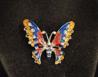 Colorful BUTTERFLY BROOCH   Fashion Jewelry   Brand New!  Pin Clip    Adorable  stylish attractive!!!