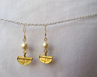 Pearl and gold dangles with etched half moon gold drop