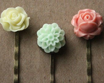 Antiqued Brass Hair Pins - Flowers - Pale Yellow, Mint Green, Rose