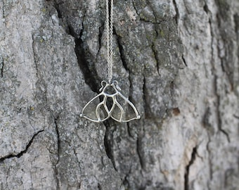 Moth  . Silver moth necklace. Woodland jewellery. Luna moth necklace. Moon moth jewelry. Butterfly necklace. Mysterious jewelry