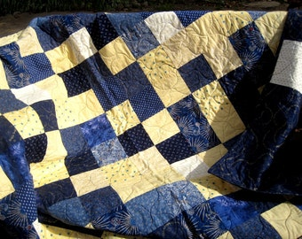 Custom Twin Size Patchwork Quilt - Patchwork Dorm Quilt - Custom Graduation College Quilt - School Colors - Tailgate Quilt - Couch Throw