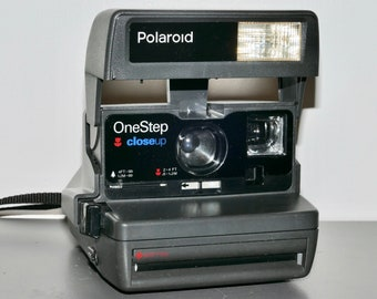 Polaroid OneStep closeup with flash and closeup lens - Great Working Instant Film Camera - Great Student Polaroid Camera