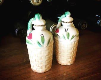 Adorable Ceramic Oil and Vinegar Set