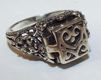 Intricate Sterling Prayer/Poison Ring.  Marked 925