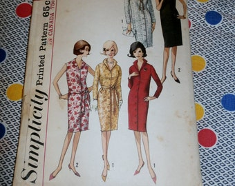 "1960s Vintage Simplicity Pattern 5538 for Misses' Wiggle Dress Size 12, Bust 32"", Waist 25"", Hip 34"""