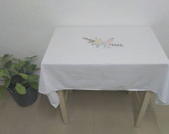 White Table cloth Embroidered Linen Tablecloth Kitchen Art Kitchen Accessories Kitchen Country Kitchen Decor Kitchen Tablecloth