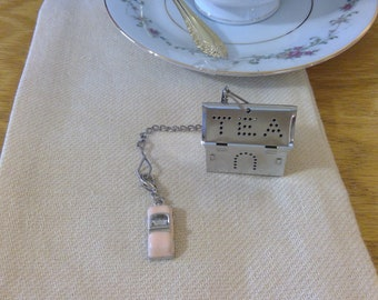 Tea Infuser - Individual Cup - Tea House w/Pink Convertible Charm
