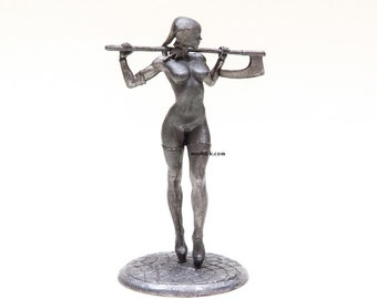 Worlds of Fantasy: Invincible 75mm metal figure