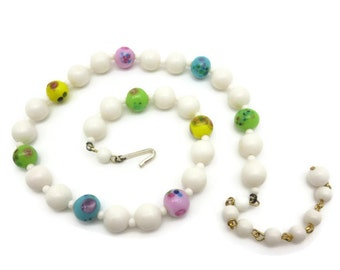 Vintage Art Glass Beaded Necklace - White Lucite Adjustable Costume Jewelry