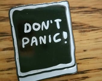 Don't Panic! Hitchhikers Guide to the Galaxy Rare Hat Pin