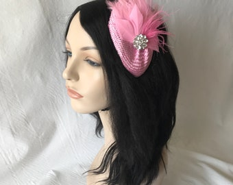 Pink mini fascinator hat,pink bridesmaid hair clip, wedding fascinator,mother of the bride hat,pink hair fascinator,tea party hat,mini hat