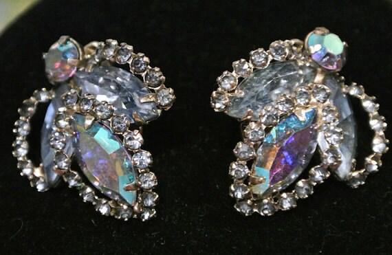 Vintage WEISS Rhinestone Earrings  / Clip On