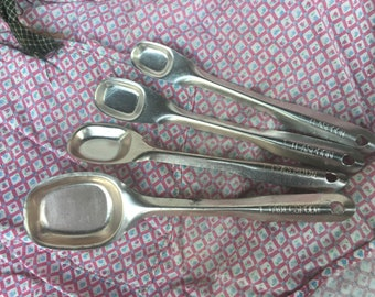 Vintage Measuring Spoons & Tiny Sauce Pan