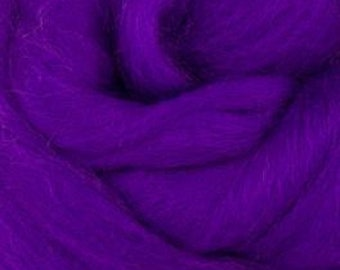 Corriedale Wool Roving / Combed Top / Wool in Violet 2 ounces - World of Wool