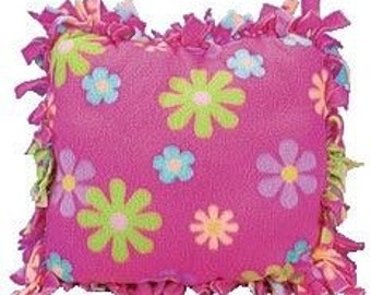 No sew fleece fabric pillows, nosewpillows, nosewfleece, throwpillows, pillows, pillowcases