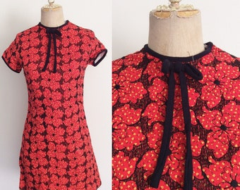 1970's Red Quilted Floral Mod Mini Dress Petite Vintage Size XXS XS by Maeberry Vintage