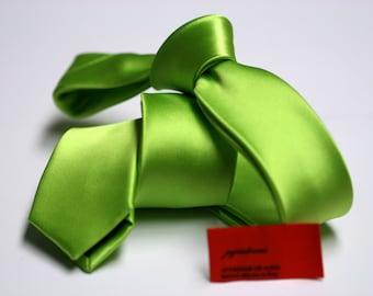 SKINNY Green Tie in Fine Twill