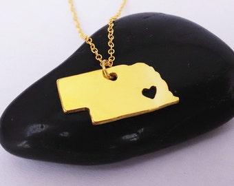 Nebraska Necklace Gold ,Nebraska Charm State Necklace, NE State Pendant Jewelry,Nebraska Necklace With A Heart
