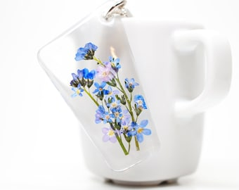 Blue 'forget-me-not' flower flower clear resin keychain/ key holder/ charm
