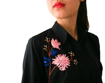 Women's shirt with embroidered daisy flowers ribbons