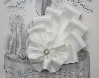 Art Deco White Silk Millinery Cocarde Applique