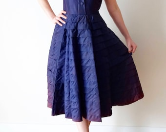 Purple 1950s Vintage Evening Dress | 1950s Full Skirt Dress | Violet Swing Dress | Fit and Flare Dress | Size Small UK10 US6
