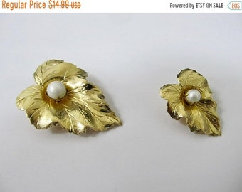 ON SALE SARAH Coventry 2pc Faux Pearl Leaf Pin Set Item K # 767