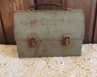 Antique Green Metal Lunch Box | Lunch Pail