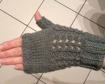 Fingerless gloves made by hand