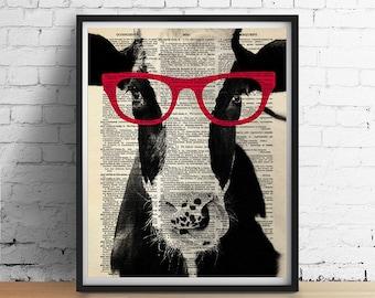Kuh tragen rote Brille Kunstdruck Poster, Bauernhof Tier Vegan Illustration, Wohnheim Dekor, schwarz und weiß Kuh Jahrgang Wörterbuch Page GICLEE