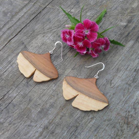 Wood Ginkgo leaf earrings, Dangle drop Ginkgo earrings, Nature inspired jewelry, Earthy earrings, Ginkgo leaf jewelry, Nature lover earrings