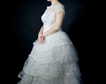 Wedding Dress, Vintage, lace and tulle, M to L