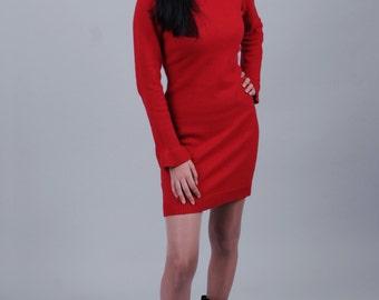 Ruffle sleeve dress in red