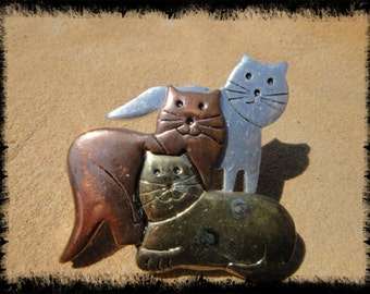 Big Bold Statement Vintage Brooch with 3 Cats