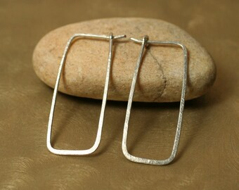 Handmade hammered silver tone rectangle hoop, one pair (item ID ST12G18)