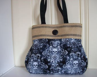 Skull Purse,Skull handbag,Hobo style purse,Black and White purse,with jute webbing at top and large pocket inside,Magnetic snap to close.