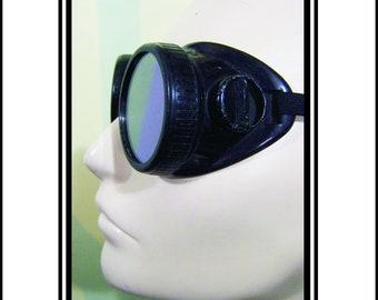 Vintage Welding Goggles Black Metal With Black Accent. Green Lenses. Original Adjustable Strap