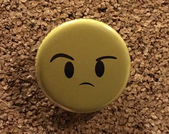 """Doctor Who """"Smile"""" Puzzled Emoji Button Pin"""