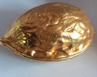 Hazelnut Nutcracker shaped brass nuts. Nutcracker / used / VINTAGE